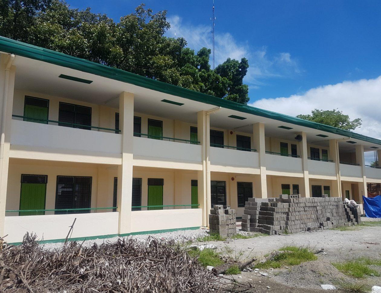A o floirendo national high school building